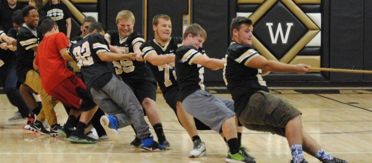 Mighty sophomores dominated the tug of war competition at the homecoming pep rally!